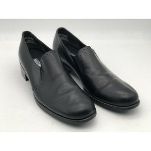 MUNRO American Size 9 N Black Leather Slip On